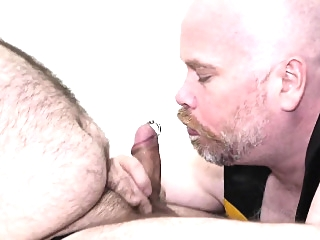 Superchub facefucks and barebacks heavy bear bareback (gay) bears (gay) blowjob (gay)