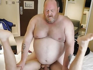 chaser worships chub bear blowjob daddy