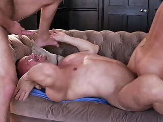 LE - Daddy's Holiday Surprise bareback big cock daddy