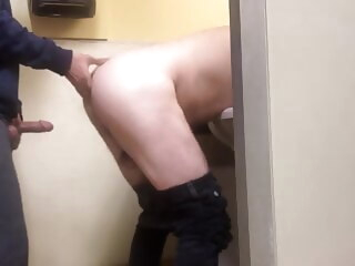 Men's room quickie amateur bareback big cock