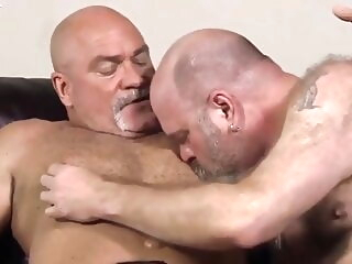 Hank Crenshaw and Leo James (BAB P3) bareback bear daddy